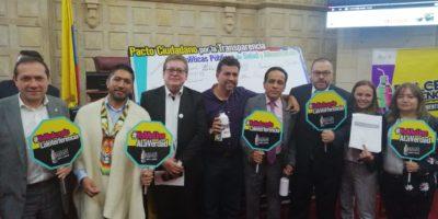 Defensor del Pueblo y congresistas firman el pacto