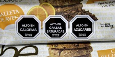 Consumo de bebidas azucaradas se hunde en Chile tras nueva ley alimentaria